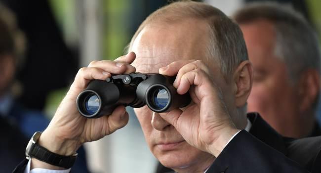 Из Беларуси уже прозвучали единичные призывы к Путину ввести войска, но Россия предпочтет «гибридную войну» - мнение