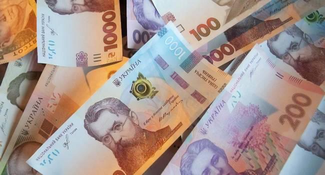 Сазонов: После отставки Смолия курс не свалился до 100 гривен за доллар. Никакой катастрофы не произойдет и в случае, если повысят минимальную зарплату