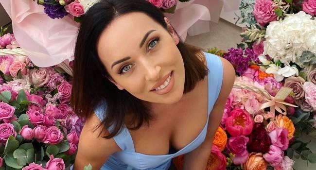 «Одна из самых красивых женщин на земле»: певица Алсу поделилаь новым селфи и обратилась к хейтерам