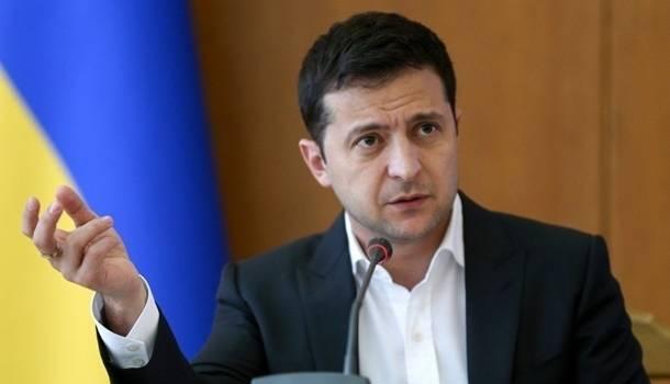 Зеленский срочно обратился к украинцам в связи с антирекордом по COVID-19