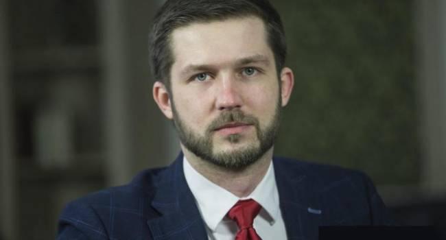 Кабакаев: если будет именно такой сценарий, то революция и досрочные выборы нам гарантированы