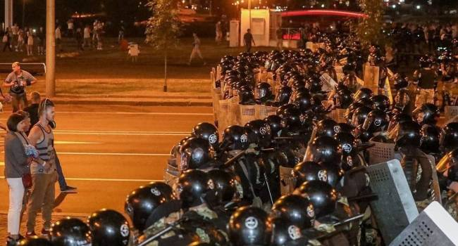 Блогер: у белорусов есть оружие, пора его применять, ведь уже началась война