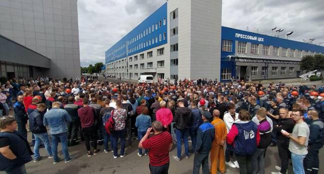 «Формулировки и степень радикальности совершенно разные»: политолог рассказал, что происходит на белорусских предприятиях после начала забастовки