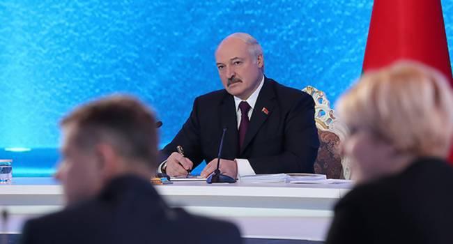 Журналист: за кулисами уже идут торги по плавному сливанию Лукашенко с тем, чтобы сохранить Минск в кремлевской орбите