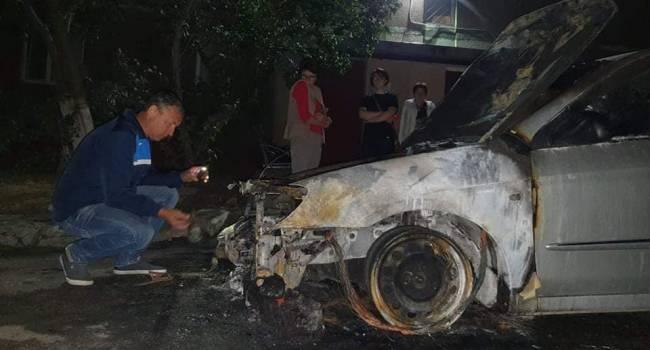 Журналист: авто «Схем» и Михаила Ткача подожгли после открытых угроз Портнова и Бужанского с паролями, явками