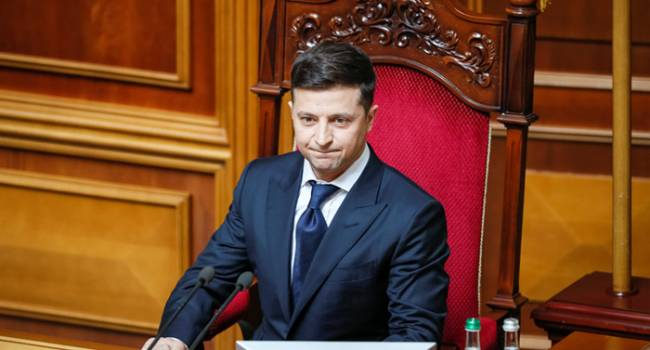 Зеленский назвал себя «жертвой власти», сочувствуя «Схемам» по сожженному автомобилю