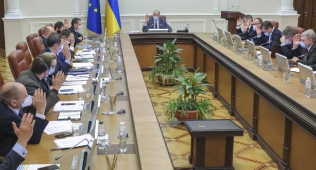 Зеленский снова не угадал: правительство уволило главного таможенника страны