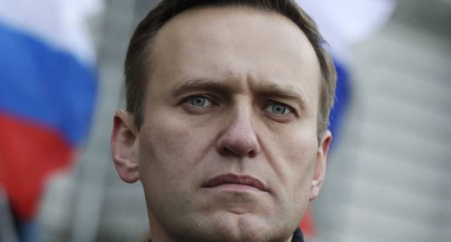 Эйдман: как и в случае с убийством Немцова, решение об устранении Навального принималось лично Путиным