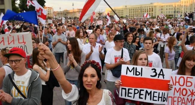 «Нужно, чтобы совпали три фактора»: Октисюк объяснил, в каком случае к власти в Беларуси может прийти оппозиция