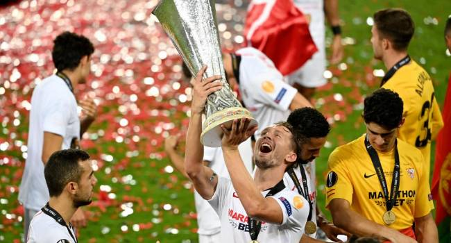 «Севилья» в шестой раз в своей истории стала победителем Лиги Европы, обыграв в финале миланский «Интер» со счетом 3:2