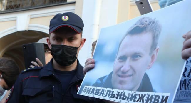 Журналист: ситуация со спасение Навального очень похожа на то, что было с затонувшей подлодкой «Курск», тогда Путин тоже насмехался