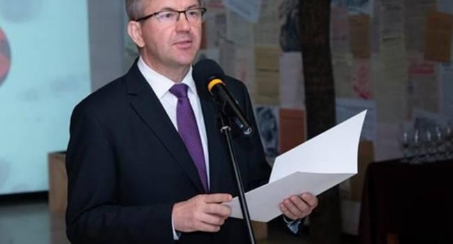«Поддержал активистов и лишился должности»: Лукашенко уволил посла Беларуси в Словакии