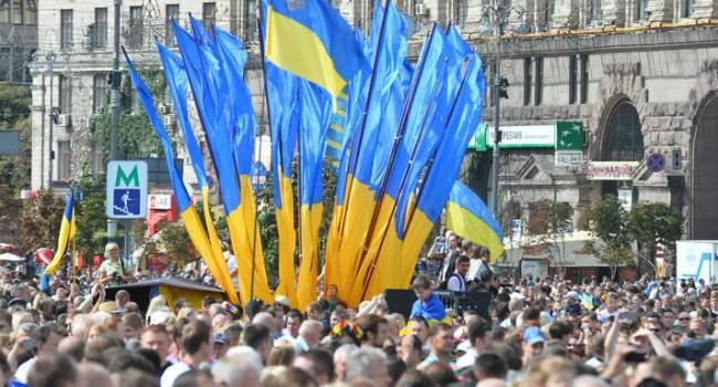 «За годы независимости Украина установила абсолютный мировой рекорд»: журналист заявил о падении ВВП на 35%