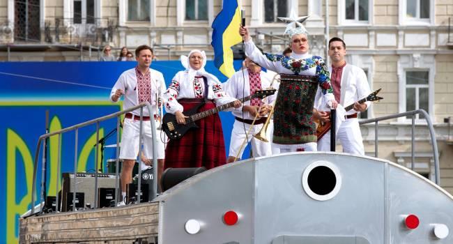Кочетков: На встрече в нормандском формате готовятся обсуждать детали сдачи суверенитета Украины, но нас больше волнует, кто и что пел на праздновании