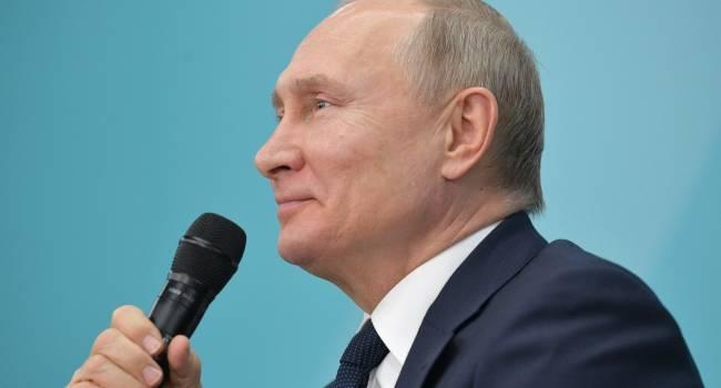 «Пока в этом нет необходимости»: Путин намекнул, что может ввести в Белоруссию российские войска