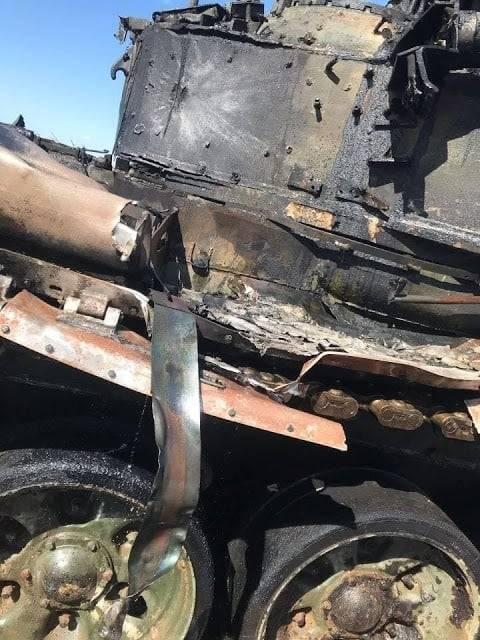 Во время военных учений в России военные разбомбили собственный танк из ПТУР