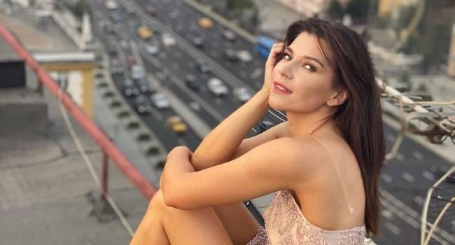 «Сексуальная!» Звезда сериала «Воронины» похвасталась идеальными формами в купальнике