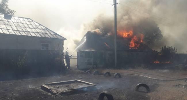 «Масштабный пожар продолжается»: Огненные языки пожирают дома в Харьковской области