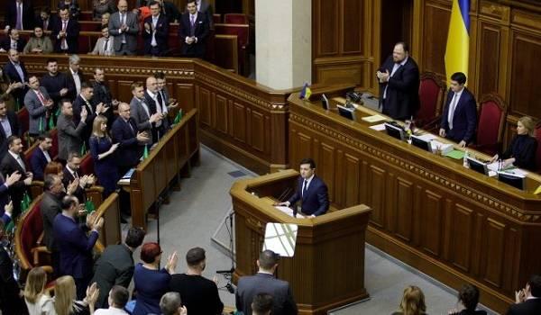 Социологи констатируют падение доверия украинцев к власти