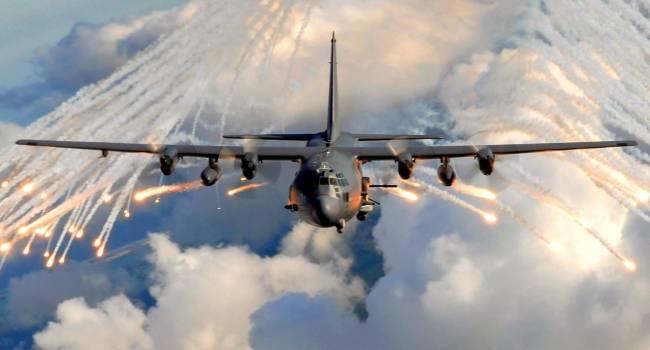 «Первая в истории боевая миссия…»: Авиация США отработала сдерживание России в небе над Украиной