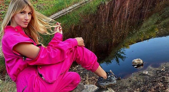«Ох, уж эти ножки!» Леся Никитюк произвела фурор новым фото в мини-платье