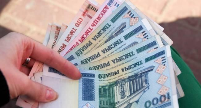 «Произойдет уже через 2 месяца»: эксперт заявил, что без российских денег в Беларуси случится дефолт