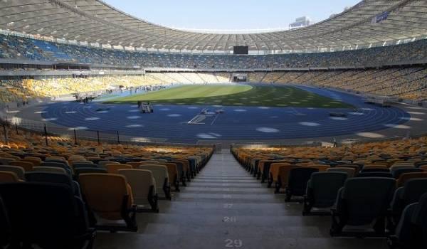 В разгар эпидемии коронавируса Минздрав надумал разрешить фанатам посещать еврокубки и матчи украинской сборной