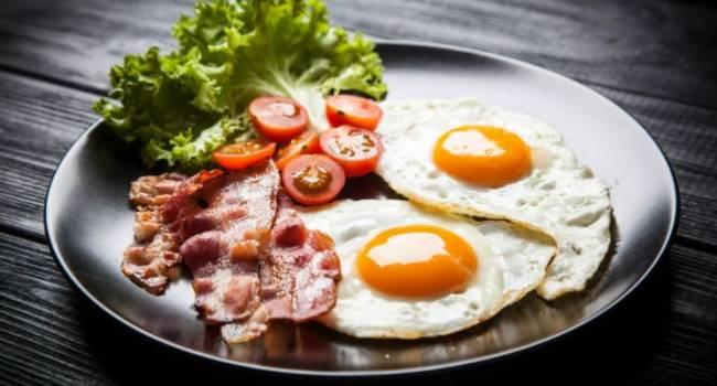 «Разрешено не каждому»: медики рассказали о вреде жареных яиц