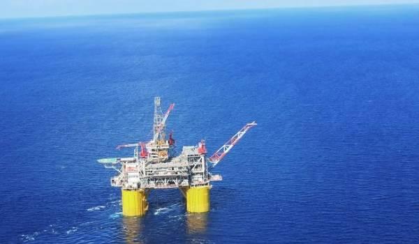 Тропический шторм в Мексиканском заливе стал причиной роста цен на нефть