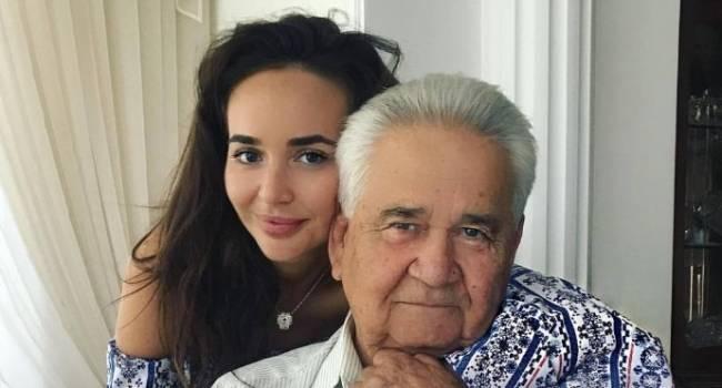 Журналист: знаю о том, что пристраивали любовниц, охранников во власть, но, чтобы пристроить деда – такое впервые