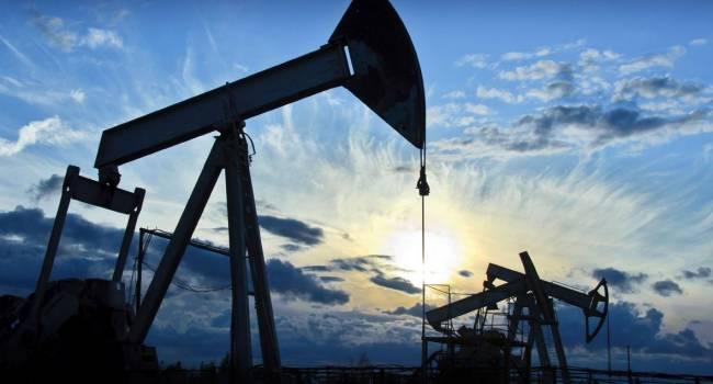 «Дальше будет хуже»: Аналитики прогнозируют рекордное снижение цен на нефть