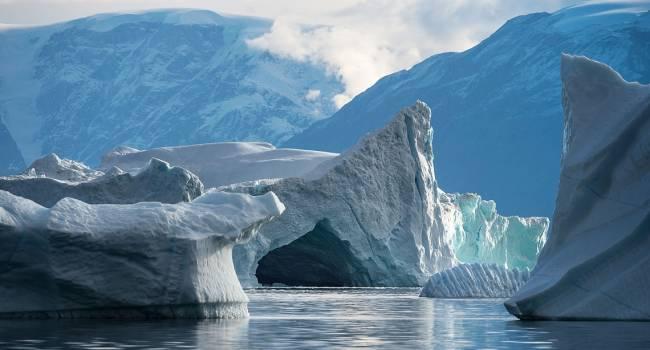 «Еще раз подтвердило нашу теорию»: ученые заявили об огромном айсберге, отколовшимся от Гренландии