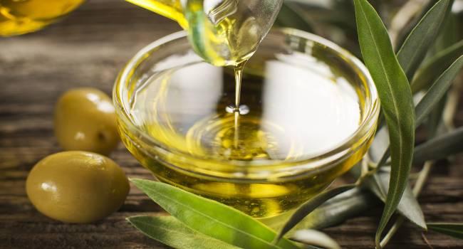 «Это залог долголетия»: диетологи рассказали об уникальных свойствах оливкового масла