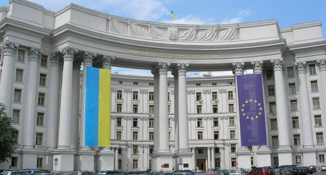 «Оболгал Зеленского, или показал принципиальную незаинтересованность Кремля в решении проблемы Донбасса»: В МИД Украины потребовали от Руденко объясниться