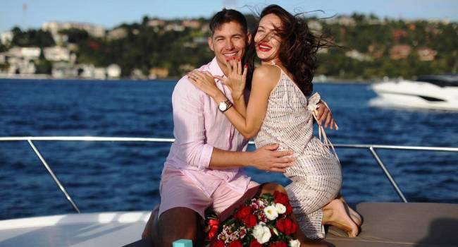 «Ой, аж мурашки по коже пошли»: Владимир Остапчук показал, как невеста делает ему уколы, спустив штаны на камеру