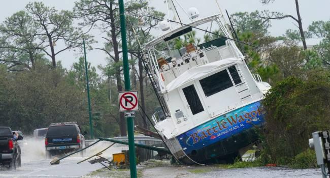 «Обрушится уже в ближайшие часы»: на один из штатов США надвигается новая природная катастрофа