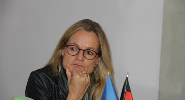 Украина в шаге от того, чтобы потерять Безвиз и экономическую помощь Запада: в ЕС сделали предупреждение Киеву