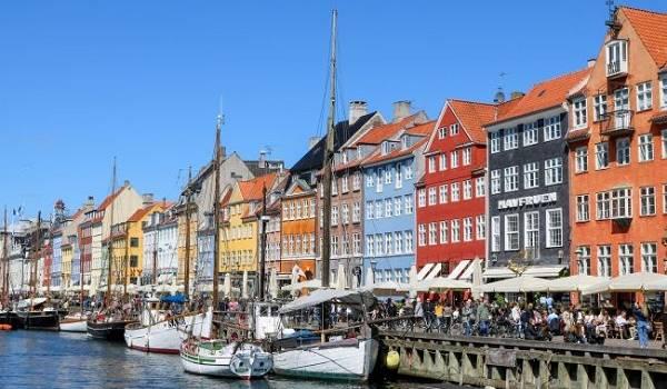 В Дании заявили об ужесточении карантина