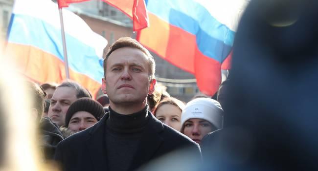 «Совсем недавно я не узнавал людей и не понимал, как разговаривать»: Алексей Навальный опубликовал новое фото с больницы, рассказав о состоянии здоровья