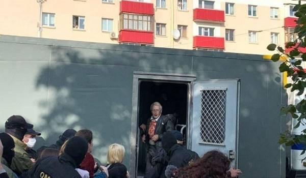 Силовики Минска задержали активистку Багинскую