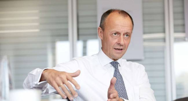 Преемник Меркель призвал заморозить строительство «СП-2»