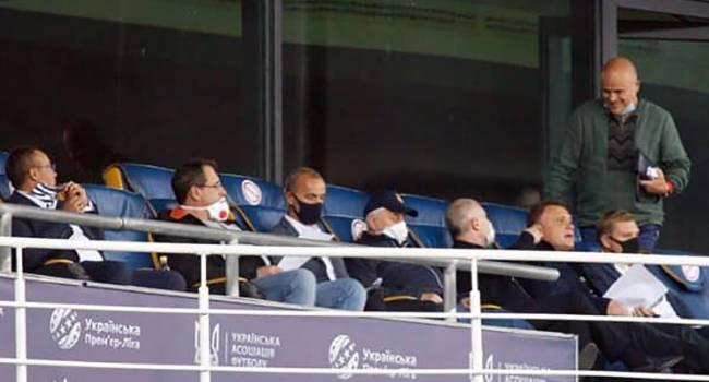 «Слуги» запретили болельщикам посещать стадионы, но на себя этот запрет не распространили