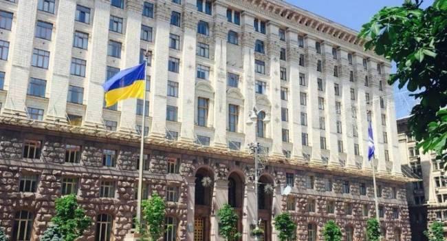 Киевские выборы превращаются в большие «договорняки» вместо реальной борьбы: УДАР по-тихому делит места со «слугами»