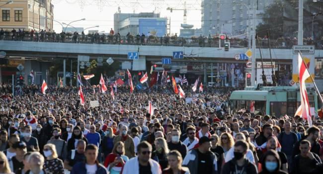 «Эти протесты будут массовыми»: политолог заявил, что в демонстрациях в Беларуси будут участвовать даже те, кто был против них