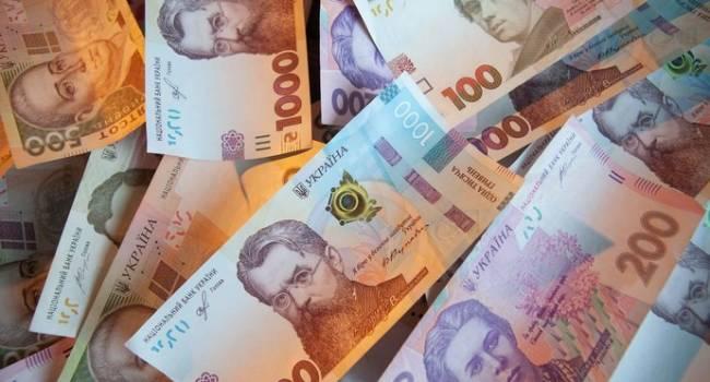 Политолог: «слуги» уже начали плакаться, рассказывая, что не смогут работать с избирателями без соцэкономпакета