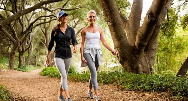 «Длительные прогулки не избавят от лишнего веса»: эксперт объяснила, какой образ жизни помогает худеть