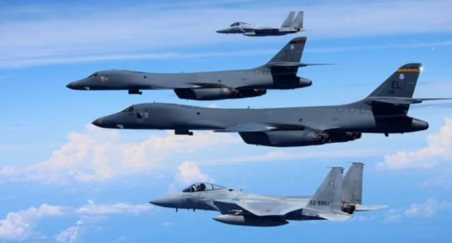 «Москва в панике»: Американские бомбардировщики опять пролетели над Украиной