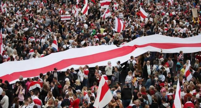 Беларусь приближается к ливийскому сценарию, остановить который станет нереально, – журналист