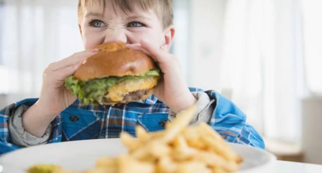 «И ожирение, и истощение одинаково опасны для детей»: доктор призвал родителей следить за детским рационом питания