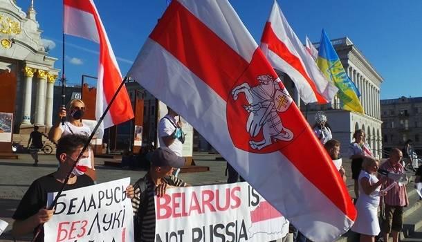 Стало известно, сколько украинцев поддерживают протесты в Беларуси